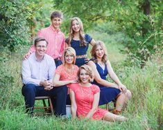 Family of 6 Photo Poses Adult Family Pictures, Outdoor Family Pictures, Large Family Photos, Family Of 6, Family Picture Poses, Beach Family Photos, Family Photo Outfits, Family Posing, Picture Ideas