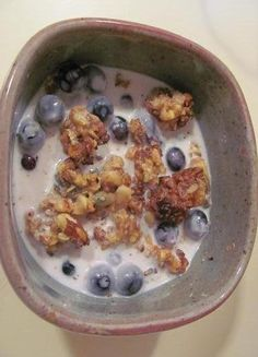 This nut based cereal looks scrumptious! Grain free, gluten free, dairy free - paleo and vegan friendly.