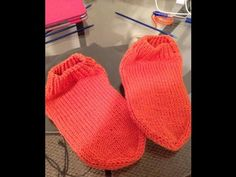 Izrada pete na carapi, Video. Socks And Heels, Knitted Hats, Projects To Try, Textiles, Knitting, Crocheting, Places, Crafts, Socks