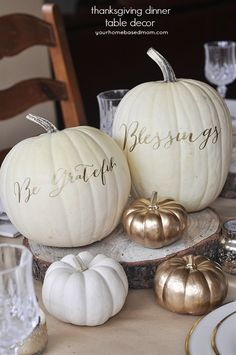 Thanksgiving Table Decor Ideas #honeybakedham