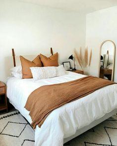 Room Ideas Bedroom, Bedroom Inspo, Dream Bedroom, Home Decor Bedroom, Warm Bedroom, Modern Master Bedroom, Diy Bedroom, Teen Bedroom, Orange House