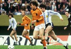 Argentina 3 Holland 1 in 1978 in Buenos Aires. Ruud Krol is tracked by Mario Kempes at the World Cup Final.