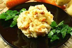 Lo stoemp è un tipico contorno belga, un piatto rustico realizzato con patate schiacciate mischiate a uno o più vegetali come ad esempio le carote.