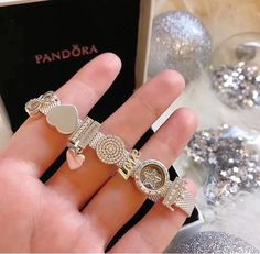 Pandora Jewelry OFF! Cute Jewelry, Bling Jewelry, Jewelry Art, Jewelery, Jewelry Accessories, Pandora Jewelry Box, Pandora Bracelet Charms, Pandora Collection, Jewelry Drawing