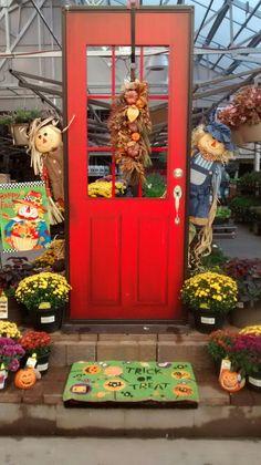 Lowe S Garden Center Displays Autumn Display Fall Retail