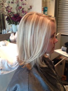 SalonBijou LKN Wella wellalife highlights lowlights blonde blondor hair haircut medium shoulder length bob