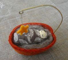 walnut babi, walnut shell, ornament, fairi, crafts with walnuts