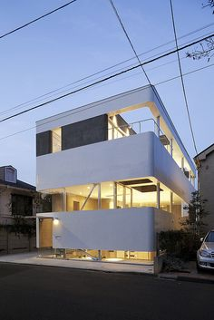 japanese architect norisada maeda atelier have published images of one of their most recent project - a dental clinic, a living space and outdoor pool, all combined into a single building. Philip Johnson Glass House, Shop Fittings, Cottage Kitchens, Space Place, Dezeen, Art And Architecture, Japanese Architecture, House Rooms, Interior And Exterior