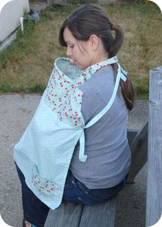 Clover & Violet :: Not Your Average Nursing Cover (tutorial)