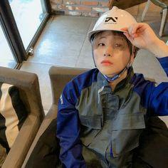 ImageFind images and videos about kpop, Ikon and jay on We Heart It - the app to get lost in what you love. Kim Jinhwan, Chanwoo Ikon, Bobby, Ikon Member, Ikon Debut, Ikon Wallpaper, Weekly Idol, Jiyong, Yg Entertainment