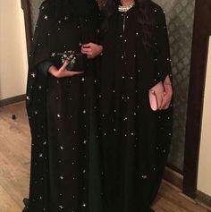 Beautiful in Black Abaya Fashion, Ethnic Fashion, Modest Fashion, Girl Fashion, Dubai Fashionista, Arabic Dress, Abaya Designs, Modest Wear, Mode Hijab