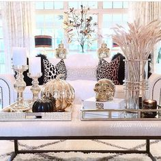 Who else is ready for Halloween? Check out how @blountdesigns has prepared her home... a glamorous Halloween does exist after all!!