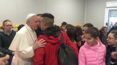 Sorpresiva visita del papa Francisco a Amatrice la ciudad más devastada por el terremoto en Italia - LA NACION (Argentina)