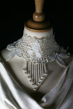 Love this Crochet Art, Irish Crochet, Crochet Lace Collar, Ruff Collar, Pearl And Lace, Linens And Lace, Irish Lace, Antique Lace, Crochet Designs