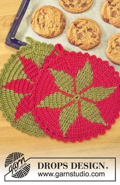 """DROPS Christmas: Crochet DROPS pot holder in """"Lima"""" with star pattern. ~ DROPS Design"""