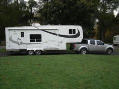 American fifth wheel trailer/ caravan, approximately 4 years old and in very good condition inside a