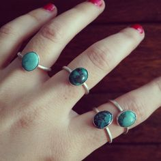 Ring sterling silver and natural turquoise bead de Crystallites en Etsy Turquoise Beads, Sterling Silver Rings, Jewlery, Stud Earrings, Etsy, Natural, Handmade Gifts, Hand Made, Jewels