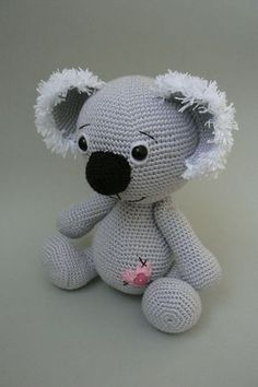 How cute is this little guy? I put him in my Ravelry cart to purchase when I get a couple of dollars.  Ravelry: Koala Bear crochet pattern pattern by Katka Reznickova