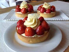 Sweet Desserts, Mini Cakes, Cake Art, Cheesecakes, How To Make Cake, Food Art, Baked Goods, Food And Drink, Sweets