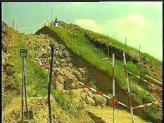 Klekkende høj (dobbelt jættestue) på vest Møn bliver udgravet 2001 (2/2)...