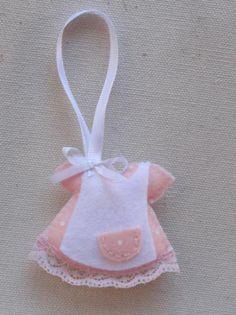 vestidos de bebe en fieltro detalles bautizo fielto  lazo  guata ,puntilla cosido a mano