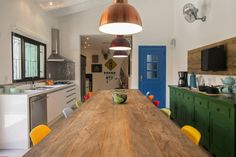 À procura da mesa de cozinha perfeita?  https://www.homify.pt/livros_de_ideias/152598/a-procura-da-mesa-de-cozinha-perfeita