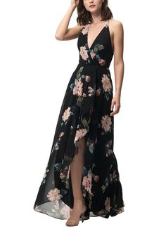 Feel beautiful at any size by shopping our favorite places offering plus size bridesmaid dresses Printed Bridesmaid Dresses, Black Bridesmaids, Bridesmaid Dresses Plus Size, Mob Dresses, Wedding Dress Shopping, Looks Cool, The Dress, Bridal Gowns, Fashion Outfits