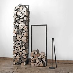 You want to build a outdoor firewood rack? Here is a some firewood storage and creative firewood rack ideas for outdoors. Indoor Firewood Rack, Firewood Holder, Firewood Stand, Log Holder, Fireplace Hearth, Fireplaces, Fireplace Tools, Into The Woods, Interior Design