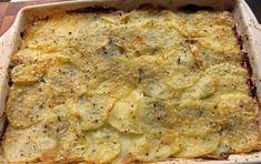 Patate alla savoiarda - La ricetta delle patate alla savoiarda è un piatto della cucina tipica piemontese preparato con patate lesse, formaggio tipo fontina, latte e burro.