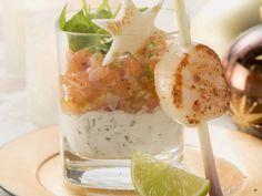 Weihnachtliches Tatar vom Lachs mit Jakobsmuschel ist ein Rezept mit frischen Zutaten aus der Kategorie Meerwasserfisch. Probieren Sie dieses und weitere Rezepte von EAT SMARTER!