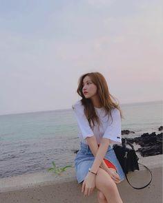 Check out GFriend @ Iomoio Sinb Gfriend, Gfriend Sowon, Ulzzang Korea, Ulzzang Girl, Extended Play, Kpop Aesthetic, Aesthetic Girl, Seulgi, Nayeon