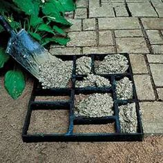 """DIY Garden Path with a multi-picture frame and cement. I love this idea! pictorialdesign: """"DIY Garden Path with a multi-picture frame and cement. Diy Garden, Dream Garden, Garden Landscaping, Home And Garden, Landscaping Ideas, Garden Paving, Stone Garden Paths, Stone Paths, Quick Garden"""