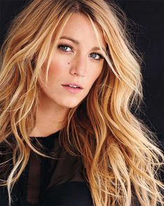 Blake's hair is always perfect. I think she needs to stop being so pretty >.