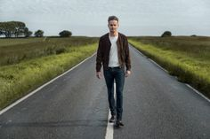 Keane Lead Singer Tom Chaplin Announces Intimate October UK TourWithGuitars