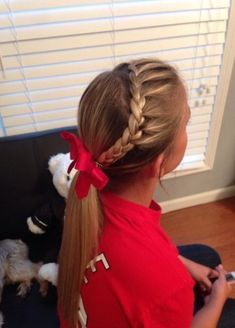 New sport hairstyles soccer girls cheer hair 70 ideas. only french braid hair in from front. Softball Hairstyles, Athletic Hairstyles, Workout Hairstyles, Hairstyles For School, Teenage Hairstyles, French Braid Hairstyles, Ponytail Hairstyles, Pretty Hairstyles, French Braids