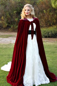 Clearbridal Women's Long Burgundy Velvet Shawl Cloak Winter Warm Wedding Coat For Bridal Cape Bolero Coat Winter Wedding Cape, Wedding Coat, Red Wedding, Wedding Jacket, Wedding Shawl, Wedding Ideas, Burgundy Wedding, Wedding Trends, Summer Wedding