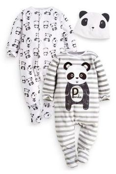 Thanks Simone for these Grey Panda sleep suits and hat that are going to make kiddo look REDONKULOUSLY cute!! xx