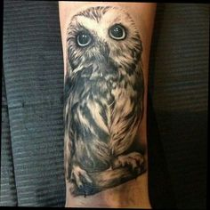 Best Owl Tattoos for Guys for the arm, thighs, wrist, chest or shoulders. Cute, small and colorful owl tattoos for girls for inspiration and ideas. Sweet Tattoos, Love Tattoos, Beautiful Tattoos, Body Art Tattoos, Girl Tattoos, Tattoos For Guys, Tatoos, Tattoo Ink, Arm Tattoo