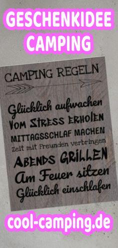 Super Geschenkidee von Campern für Camper. Wunderschöne Deko für zu Hause oder unterwegs. Mehrere Sprüche zum Campingurlaub zieren dieses Camper-Poster. Schau dich auf cool-camping.de um und finde dein Camping-Shirt, Camper-Hoodie oder Camping-Gadgets. Camping-Bekleidung designt von Campern für Camper #Camping #Wohnwagen #Wohnmobil #Campingurlaub