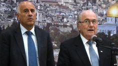 في زيارة بنكهة سياسية وفدا من الفيفا بالأراضي الفلسطينية