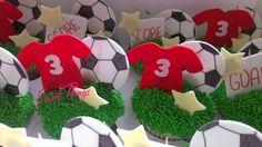 Soccer cupcakes   sweetthingsbywendy.ca Cupcake Toppers, Cupcake Cakes, Soccer Cupcakes, Sweet, Candy, Cupcakes, Football Cupcakes, Cupcake, Brioche