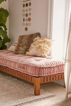 Rohini Velvet Daybed Cushion Más