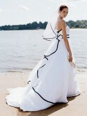 The black and white thing on pinterest women 39 s short for White wedding dress with blue trim