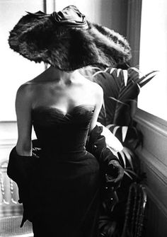 Dior. Paris, 1954 (Photo: Mark Shaw).