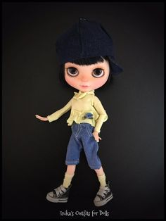 This Listing includes: Knitted in lemon yellow cotton jersey, with long sleeves with ruffled trim and pink satin applied. Shorts in jeans with pockets. Hat in jeans caps Not included: Doll socks Shoes  This is a hand-made product not be returned