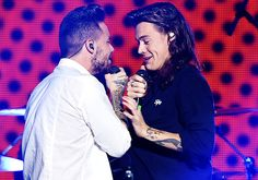 If I ever meet Harry Styles i bet i will become Liam Payne right there. If I ever meet Harry Styles i bet i will become Liam Payne right there. One Direction 2014, One Direction Imagines, One Direction Harry, One Direction Pictures, Zayn Malik, Niall Horan, Harry Styles 2014, 1d Day, Larry Shippers