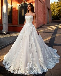 Wedding Dresses simple Best Wedding Dresses Ball Gown How much does a Lazaro wedding dress cost? Wedding Dresses simple Best Wedding Dresses Ball Gown How much does a Lazaro wedding dress cost? │ Wedding Dresses with sleeves Lazaro Wedding Dress, Wedding Dress Cost, Wedding Dress Trends, Perfect Wedding Dress, Best Wedding Dresses, Bridal Dresses, Lace Wedding, Wedding Gowns, Wedding Ceremony