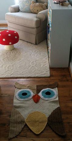 owl rug and a mushroom .. awesome..