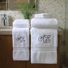 Wrap yourself in comfort with our Hotel Collection Bath Cotton Towel. These hotel style, cotton towels are made in the good ol' USA, so you can feel good about your purchase. Monogram Towels, Personalized Towels, Diy Monogram, 2nd Anniversary Gifts, Terry Towel, Luxury Towels, Cotton Towels, Towel Set, Washing Clothes
