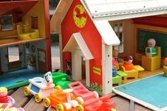 Fisher-price-vintage-schoolhouse